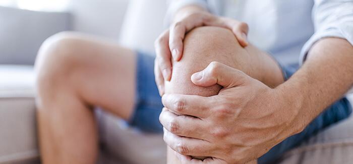 膝の痛み(変形性膝関節症)の原因と治療法・ストレッチをご紹介 文京区、春日・後楽園駅すぐの整体・整骨院